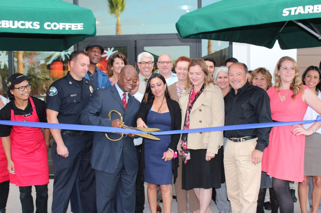 (Front row from left to right): Signal Hill Police Captain Christopher Nunley, Mayor Ed Wilson, Starbucks District Manager Fauzia Adams, Councilwoman Lori Woods, Signal Hill Petroleum Executive Vice President & CEO David Slater and Signal Hill Petroleum Real Estate Manager Ashley Schaffer